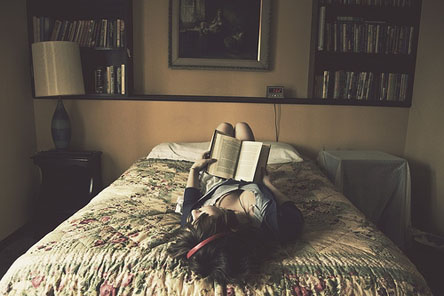 Girlreadinginbed