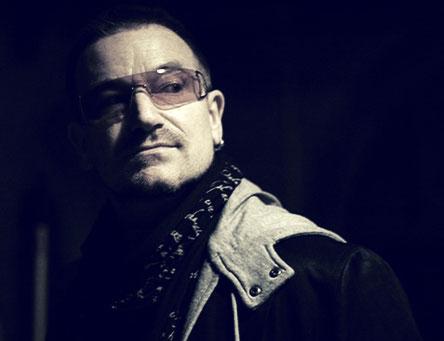 Bono2008lookingatyou