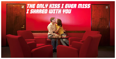 The_couple_kissinred